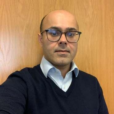 Dr K Khan